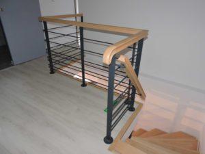 Escalier limon central debillarde, garde corps, escalier fer forge bois, ferronnier, ferronnerie Pau, Angais, 64, orthez, Tarbes
