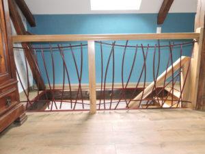 Escalier limon central, garde corps en fer forge, rambarde, balustrade en fer forgé, escalier fer forge chene, ferronnier, ferronnerie Pau, Angais, 64, orthez, Tarbes