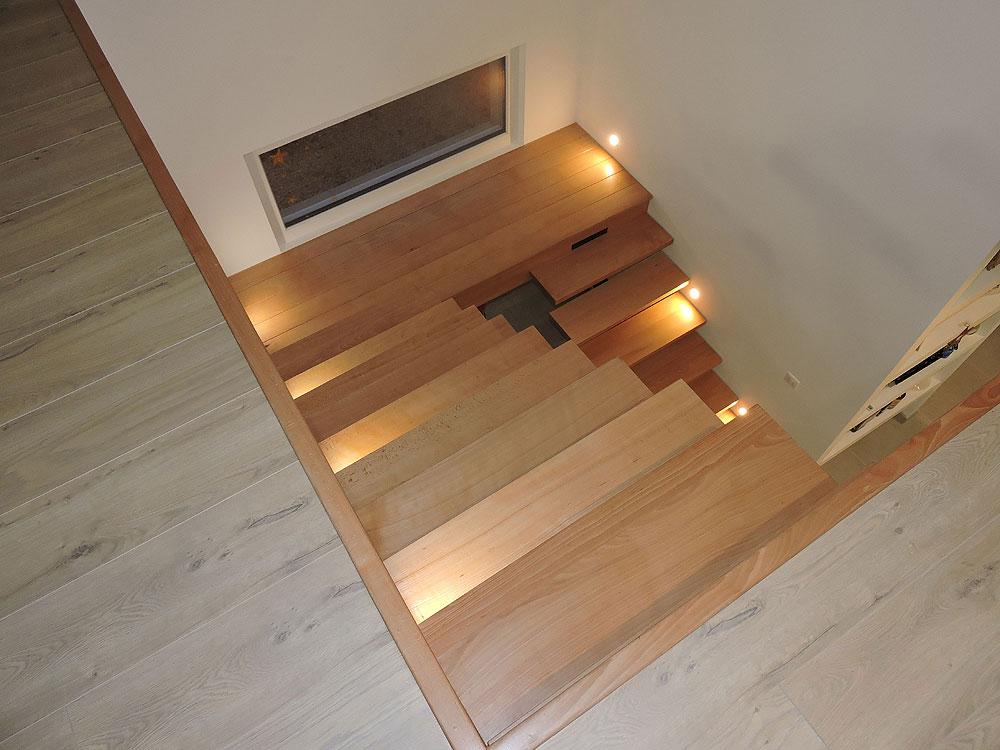 Quelle est la différence entre un escalier traditionnel et un escalier classique ?